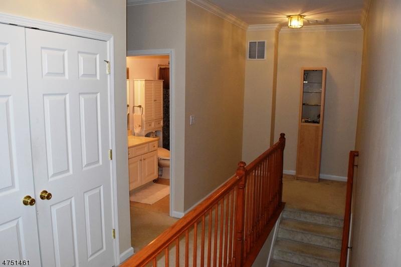 9 Debruyle Ct Hawthorne Boro, NJ 07506 - MLS #: 3422619