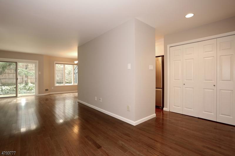 17 Daryl Ct Glen Rock Boro, NJ 07452 - MLS #: 3461019