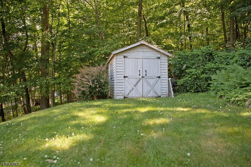 37 Woodlawn Rd Sparta Twp., NJ 07871 - MLS #: 3458519