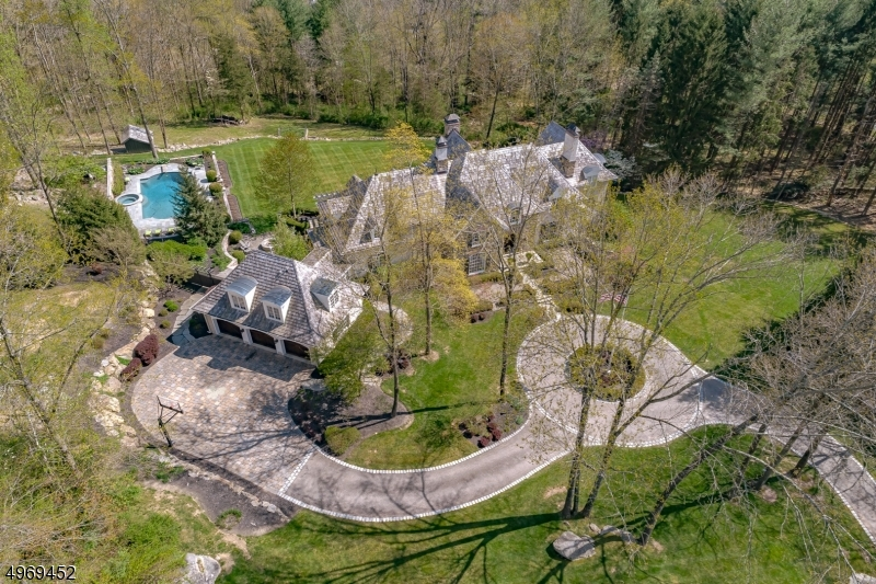 Photo of home for sale at 3 POTTER LN, Tewksbury Twp. NJ