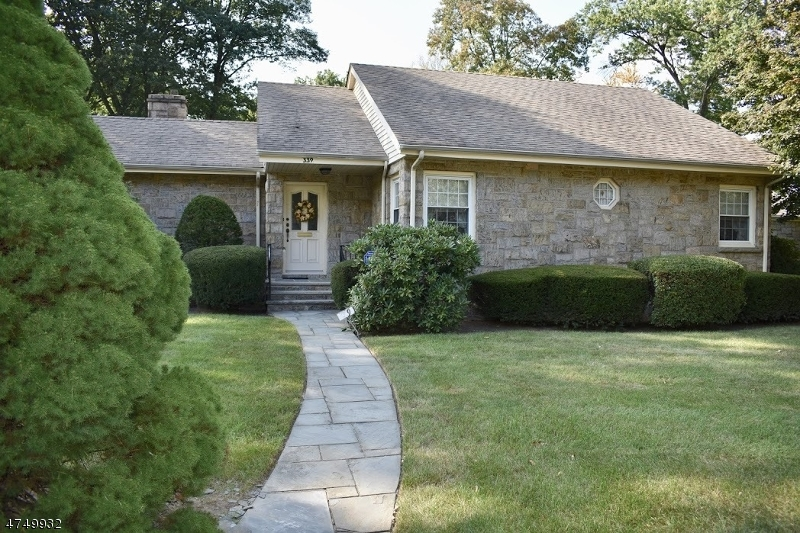 339 Monroe Ave Wyckoff Twp., NJ 07481 - MLS #: 3421220