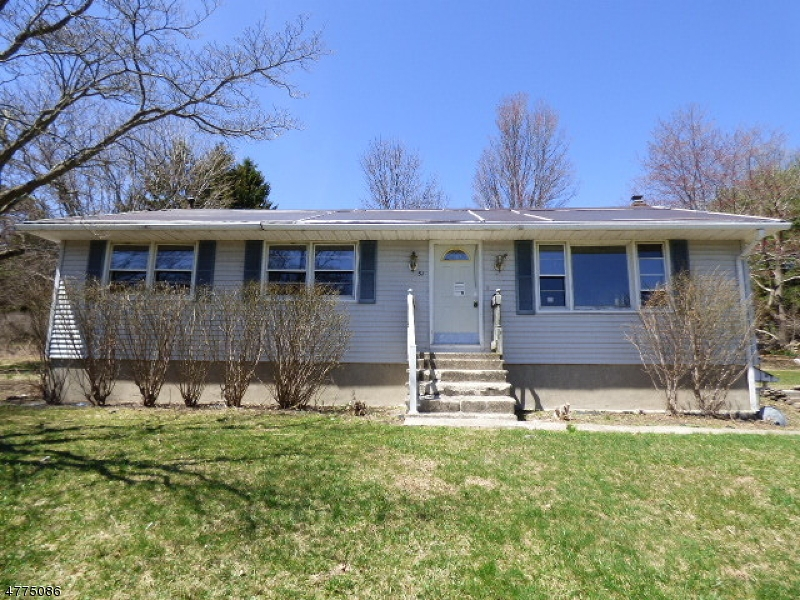 Photo of home for sale at 31 Card Rd, Wantage Twp. NJ