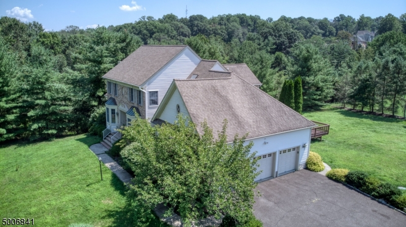 Photo of home for sale at 1 A TALL OAKS DR, Warren Twp. NJ