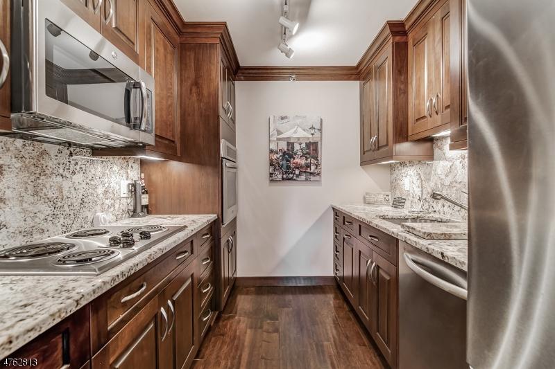 10 Smith Manor Blvd West Orange Twp., NJ 07052 - MLS #: 3433722