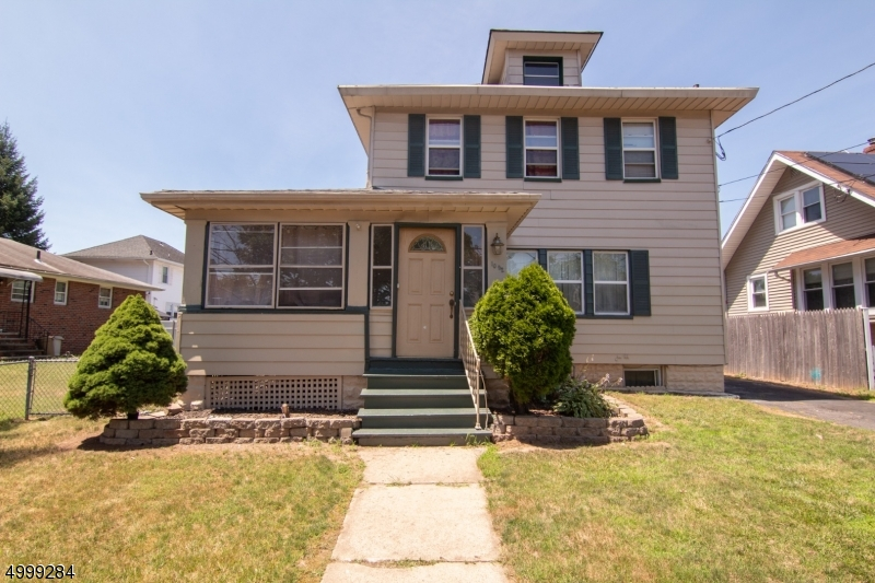 Photo of home for sale at 1092 CHARLOTTE PL, Rahway City NJ