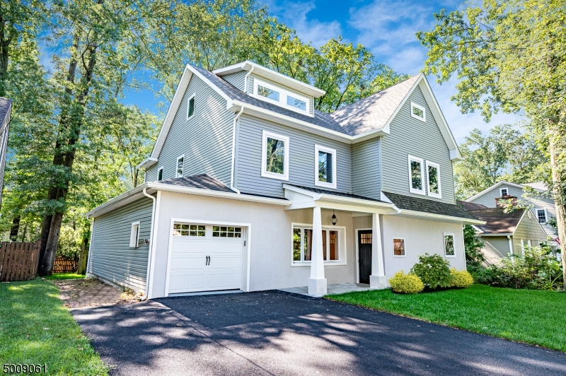 Photo of home for sale at 74 GARDEN AVE, Chatham Boro NJ