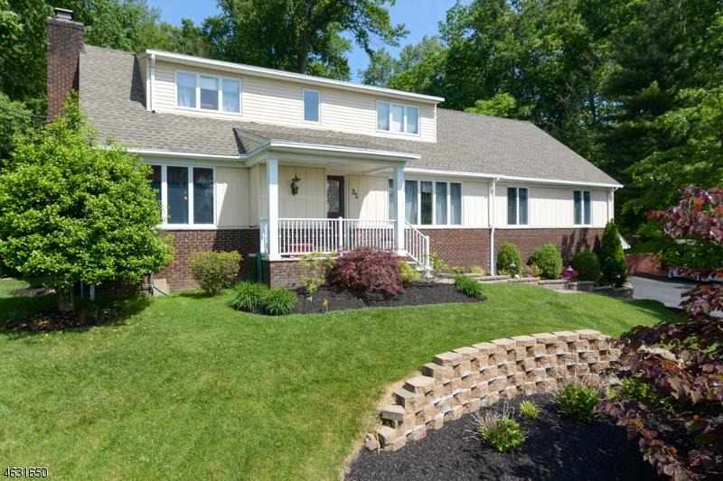 Property for sale at 31 Rockledge Rd, Hawthorne Borough,  NJ 07506