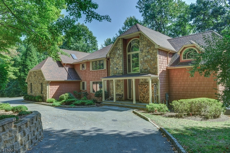 Photo of home for sale at 80 BRIDLE PATH LN, Mahwah Twp. NJ