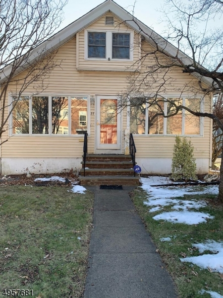 Photo of home for sale at 37 WILSON AVE, North Plainfield Boro NJ