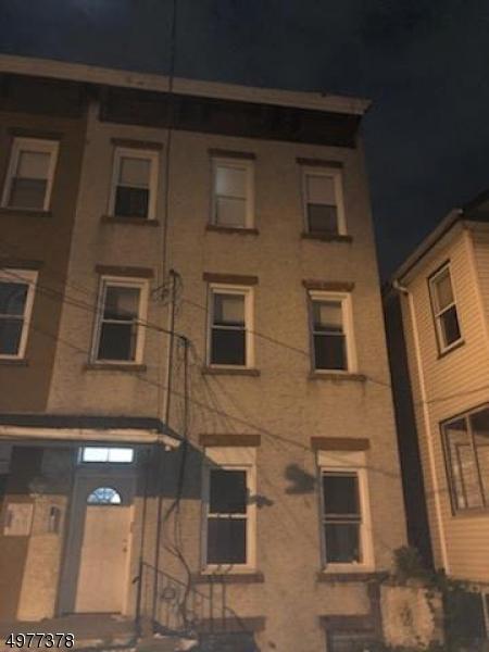 Photo of home for sale at 146 RIPLEY PL, Elizabeth City NJ