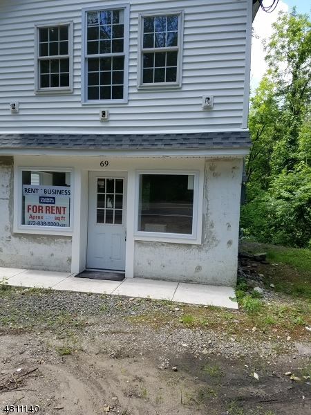 Photo of home for sale at 69 HAMBURG TPKE, Bloomingdale Boro NJ