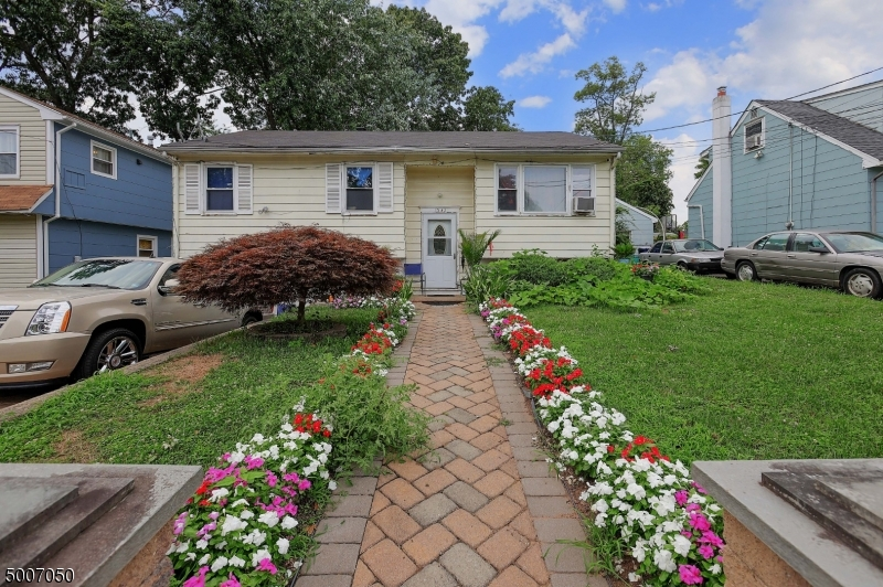 Photo of home for sale at 1342 W 3RD ST, Plainfield City NJ