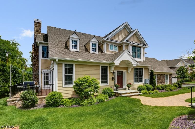19 Woodstone Cir, Millburn Township, NJ 07078
