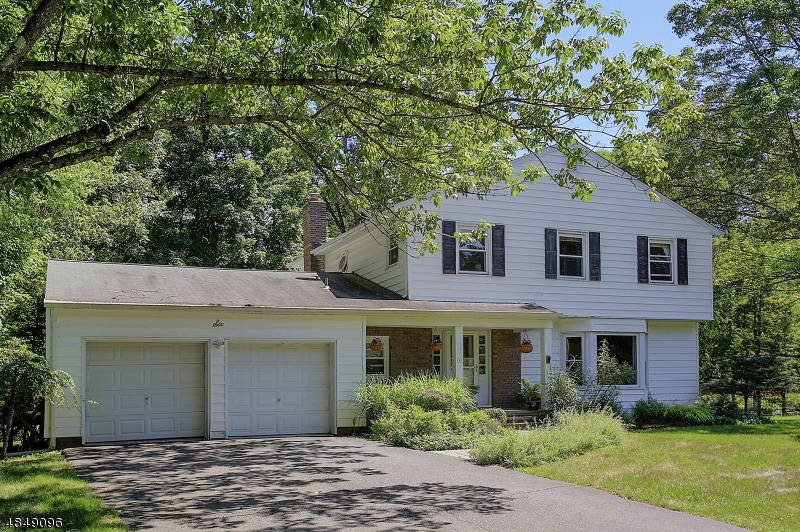 Photo of home for sale at 6 HOLLY DR, Randolph Twp. NJ