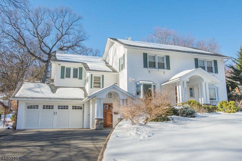 Property for sale at 251 Morris Ave, Mountain Lakes Borough,  NJ 07046