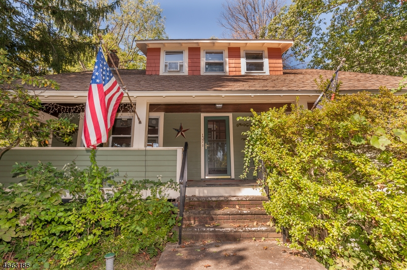 Property for sale at 137 MOUNTAIN AVE, Long Hill Township,  NJ 07933