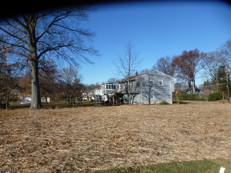 Photo of home for sale at 95 E Lindsley Rd, Cedar Grove Twp. NJ