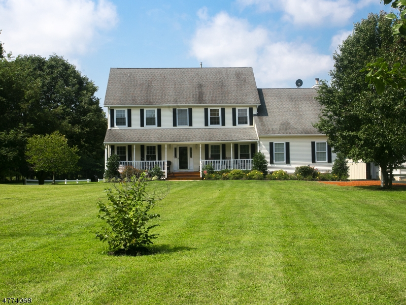 Photo of home for sale at 554 Province Line Rd, North Hanover Twp. NJ