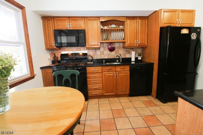 406 KINDERKAMACK RD River Edge Boro, NJ 07661 - MLS #: 3480226