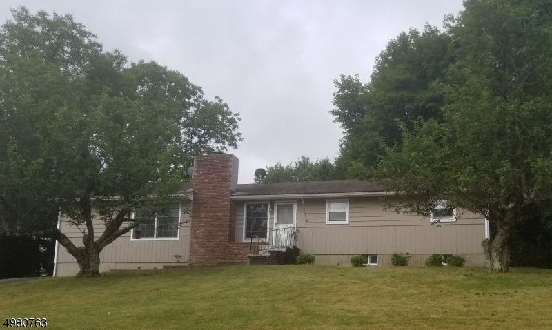 Photo of home for sale at 3 SHAUGER TER, Hardyston Twp. NJ