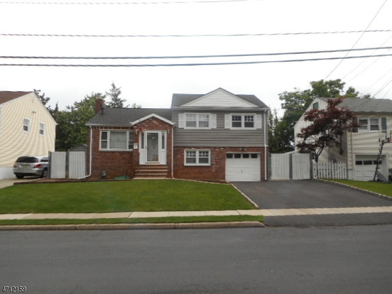 Property for sale at 711 Colonial Arms Rd, Union Twp.,  NJ  07083