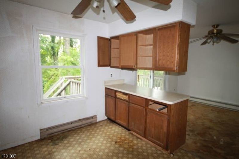 54 Cedar Ter N Vernon Twp., NJ 07418 - MLS #: 3449927