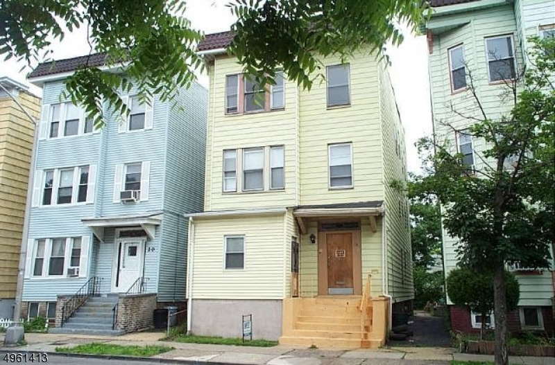 Photo of home for sale at 18 CLIFFORD ST, East Orange City NJ