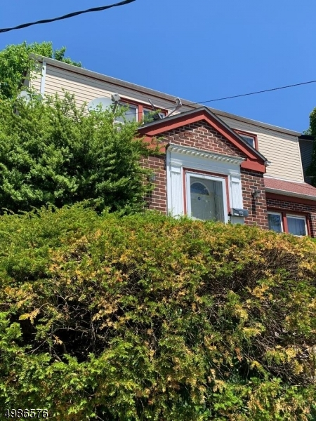 Photo of home for sale at 103 BAILEY AVE, Hillside Twp. NJ
