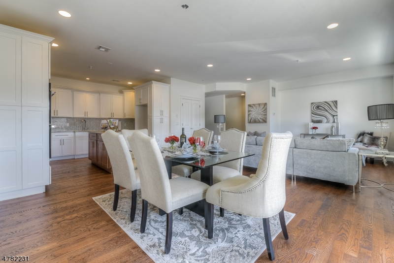 Property for sale at 156 Mountain Ave, Unit 3 Unit: 3, Springfield Twp.,  NJ  07081