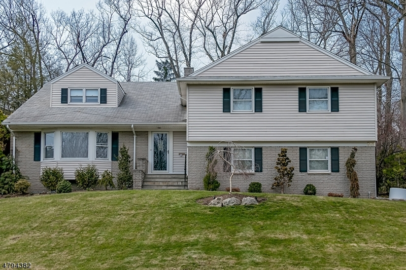 Property for sale at 389 Rolling Rock Rd, Springfield Twp.,  NJ  07081