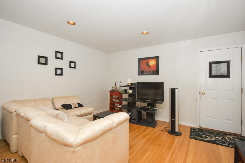 6 CONISTON CT Wayne Twp., NJ 07470 - MLS #: 3478028