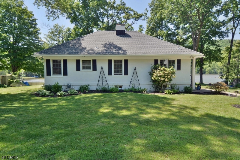 25 COMPASS AVE West Milford Twp., NJ 07480 - MLS #: 3479928