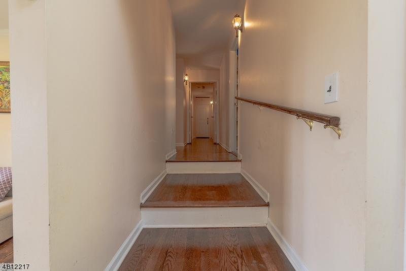 31 LAKEVIEW DR West Orange Twp., NJ 07052 - MLS #: 3478228