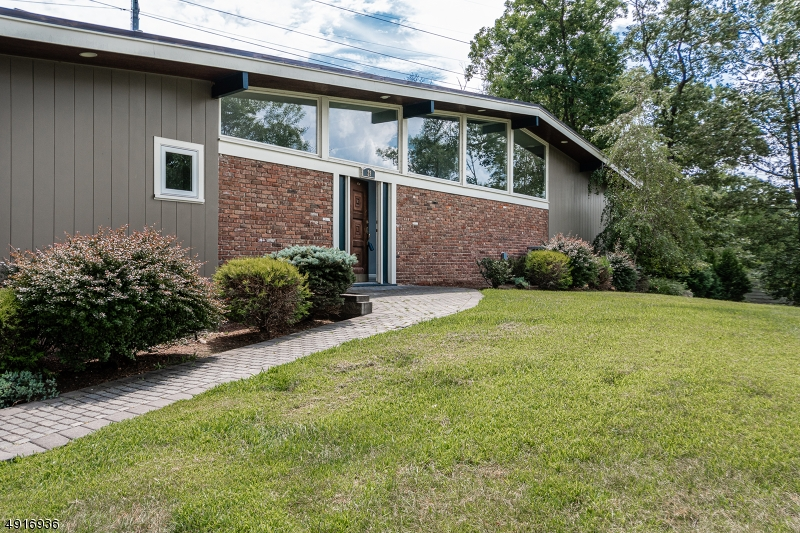 Photo of home for sale at 29 NOTCH PARK RD, Little Falls Twp. NJ