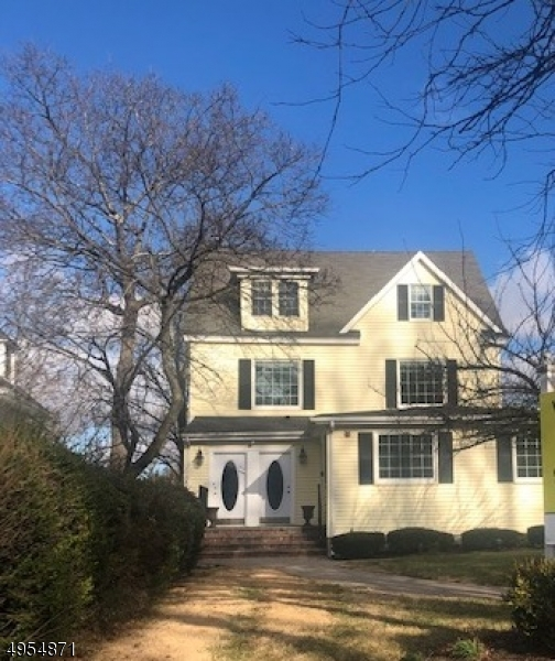 Photo of home for sale at 73 Washington Street, Morristown Town NJ