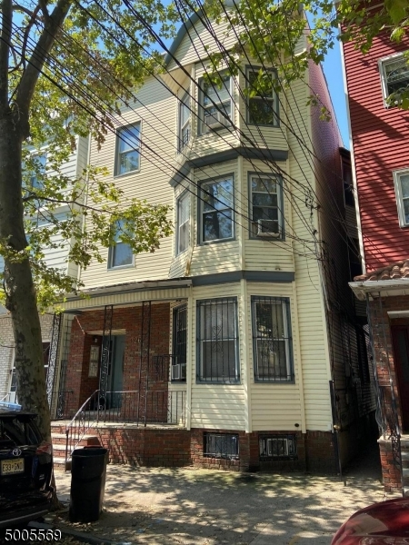 Photo of home for sale at 326 NEW YORK AVE, Newark City NJ