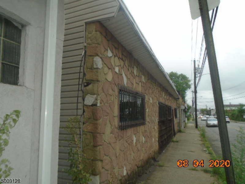 Photo of home for sale at 447 COIT ST, Irvington Twp. NJ