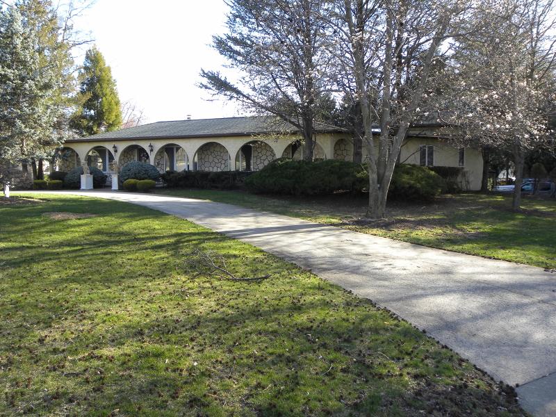 Property for sale at 51 Riverside Dr, Florham Park Borough,  NJ 07932