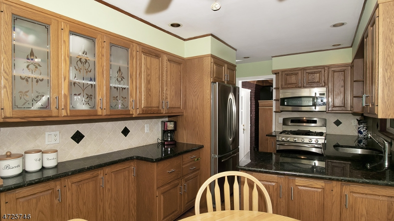 2 Southboro Ln Glen Rock Boro, NJ 07452 - MLS #: 3398829