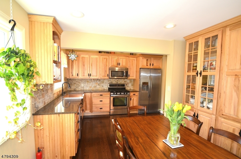 16 Hillcrest Ave Andover Twp., NJ 07860 - MLS #: 3461529