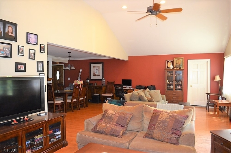 2348 BELVEDERE DR Scotch Plains Twp., NJ 07076 - MLS #: 3480329