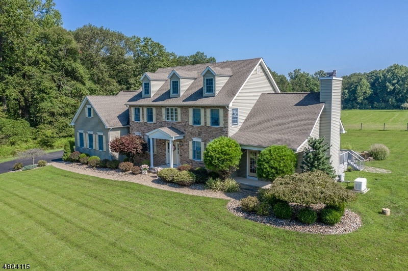 Photo of home for sale at 565 BLOOMSBURY RD, Union Twp.
