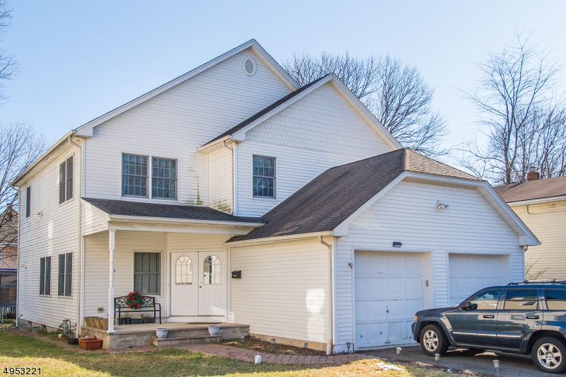 Photo of home for sale at 406 LINCOLN ST, Boonton Town NJ