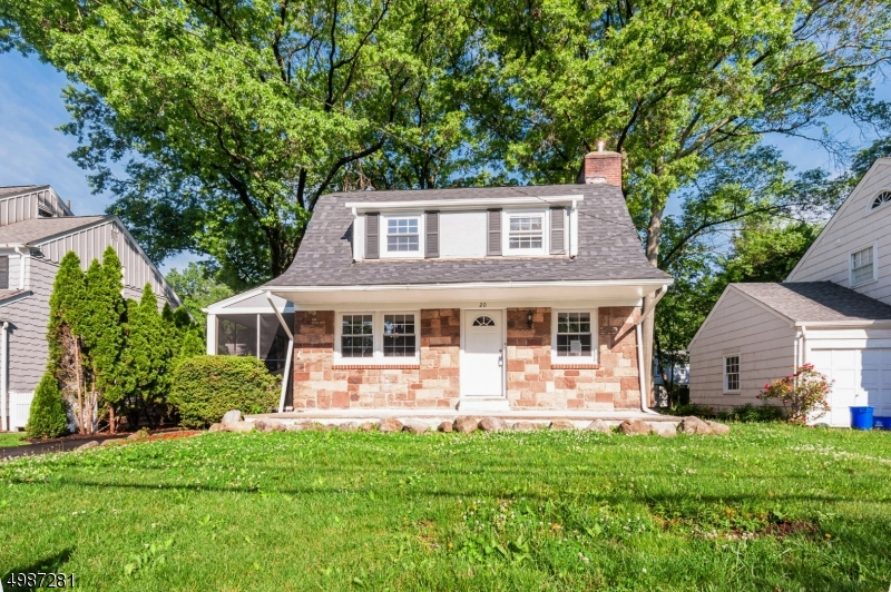 Photo of home for sale at 20 COLLEGE AVE, Montclair Twp. NJ