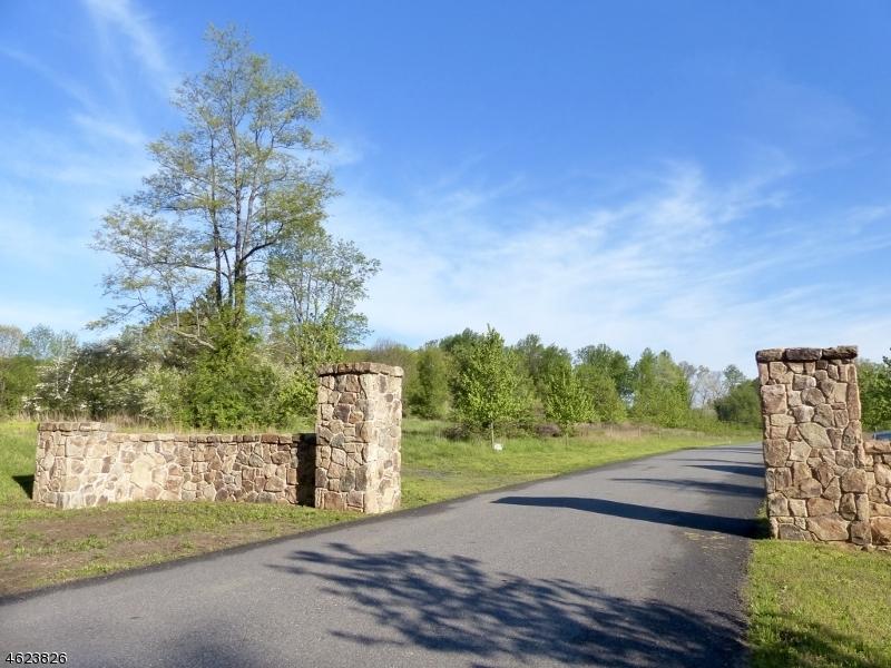 Photo of home for sale at 8 Preserve Lane, Bernardsville Boro NJ