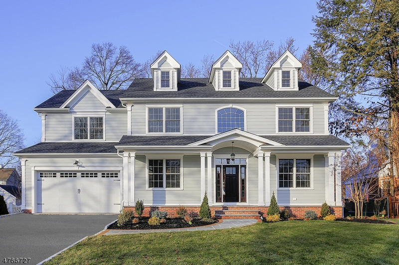 Photo of home for sale at 512 Bradford Ave, Westfield Town NJ