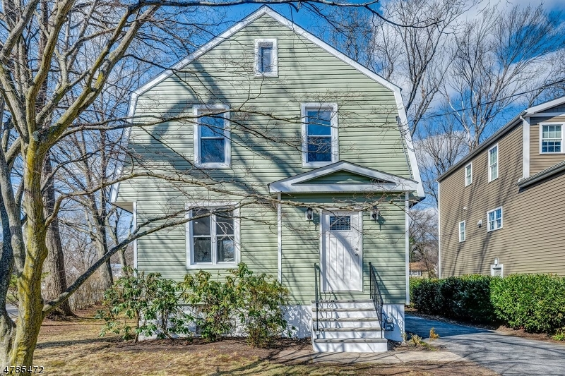 Property for sale at 112 Battle Hill Ave, Springfield Twp.,  NJ  07081