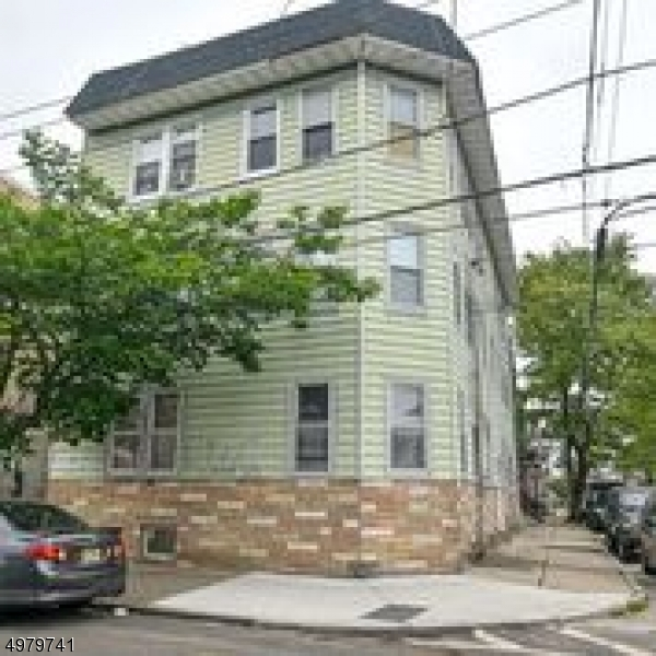 Photo of home for sale at 51 Cortland St, Newark City NJ