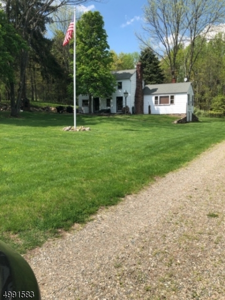 Photo of home for sale at 133 WOOLF RD, Alexandria Twp. NJ