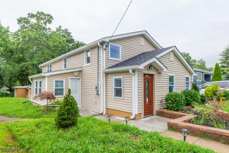 Photo of home for sale at 184 ALBERT AVE, Milltown Boro NJ